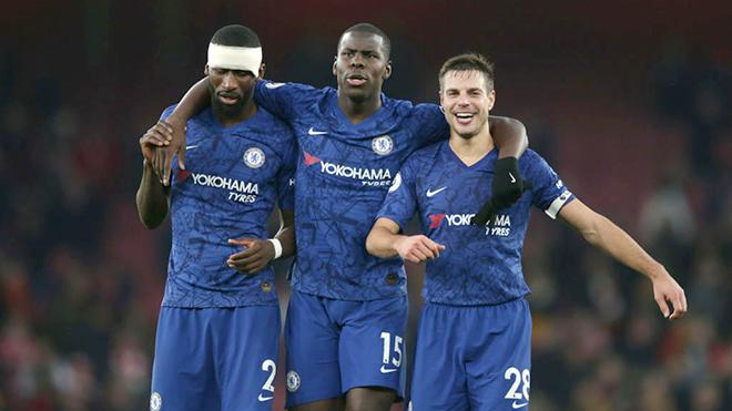 Chelsea đá ba trung vệ: Ý tưởng tốt hay giải pháp nhất thời?