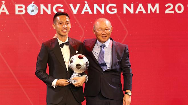 Đánh bại Quang Hải, Hùng Dũng giành Quả bóng Vàng Việt Nam 2019