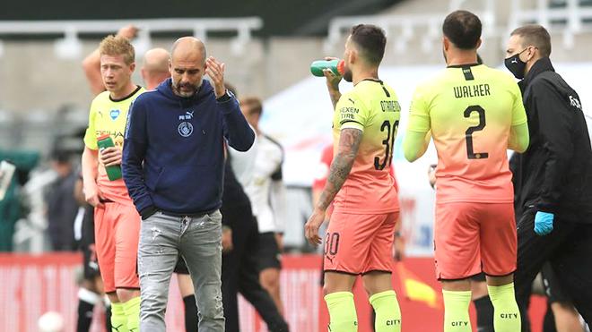 Man City: Ngã ba đường của Pep Guardiola ở Etihad