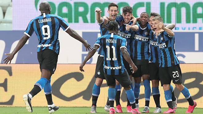 Inter Milan: Vẻ đẹp những sắc màu đen xanh
