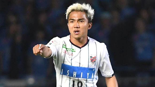 'Messi Thái' lập cú đúp kiến tạo, Dangda đi vào lịch sử