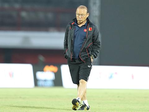 HLV Park Hang Seo mừng khi tuyển Việt Nam có 'quân xanh'