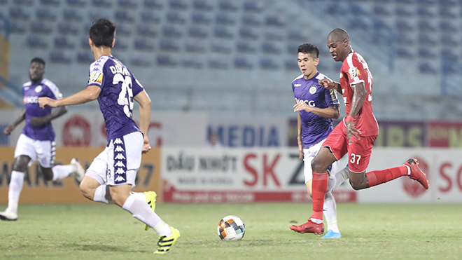 Bóng V-League vẫn lăn trong mùa dịch