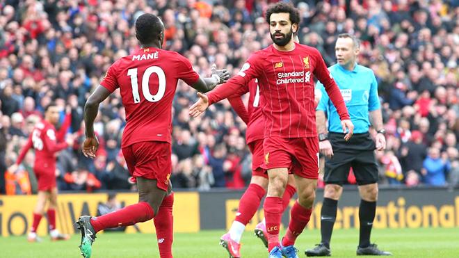 Premier League tạm dừng, Liverpool lo lắng