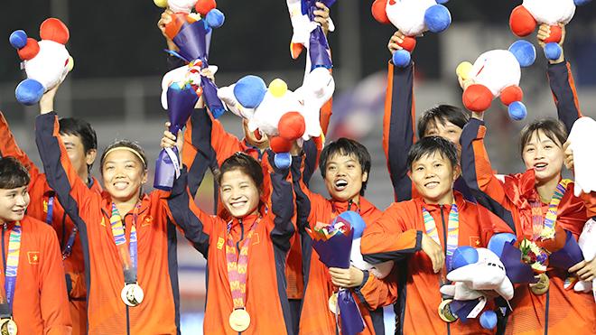 Các cô gái đá bóng Việt Nam và những giấc mơ bình dị