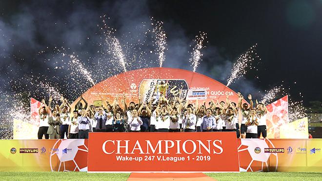Hà Nội FC: 10 năm, số 1 và chữ CHUYÊN