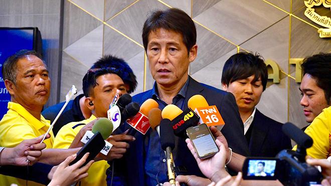 Thái Lan vs Việt Nam: Akira Nishino đang phải chống lại sức ép kinh khủng như thế nào?