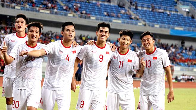 HLV Park Hang Seo khiến bóng đá Trung Quốc 'đau đầu'