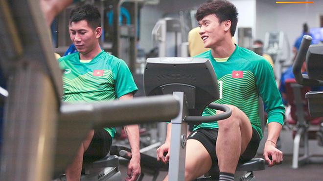 HLV ngoại chê cầu thủ Việt Nam: Chuyện không mới nhưng chưa bao giờ cũ