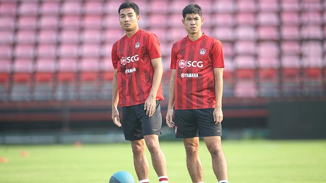 HLV, cầu thủ Thai League khổ hơn V League