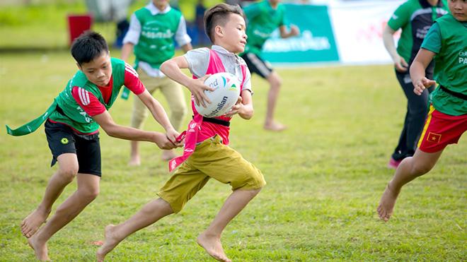 Bóng bầu dục chân trần ở Việt Nam