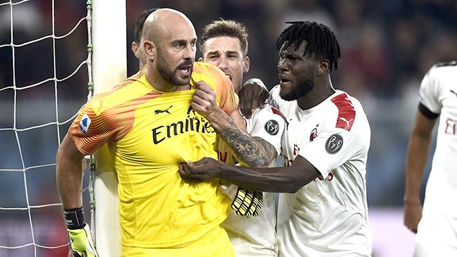 Milan thắng nhọc Genoa: Còn lâu mới qua khủng hoảng, Giampaolo!