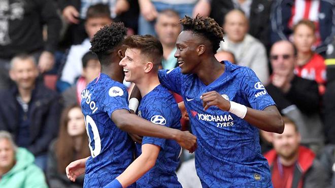 Chelsea: Yên tâm hàng công, lấn cấn hàng thủ