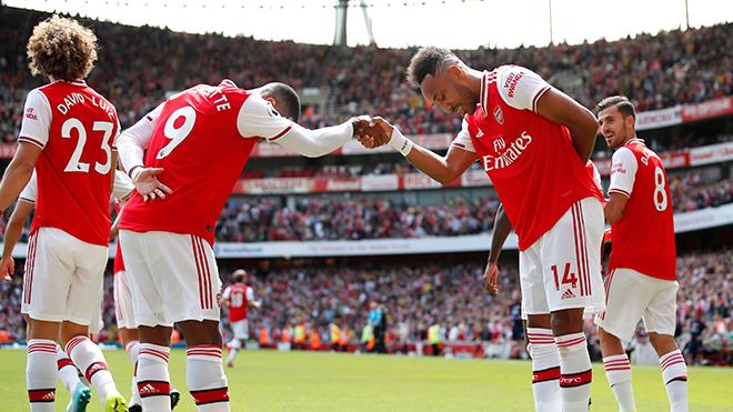 Arsenal không hay, Premier League vẫn phải ngước nhìn