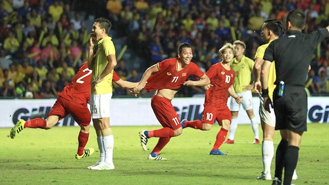 'Thế sự bóng đá Việt đầy những điều thi vị'