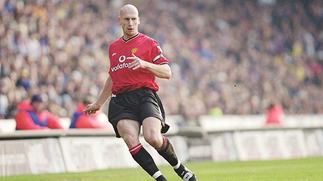MU: Cần mua một trung vệ như Jaap Stam 1998