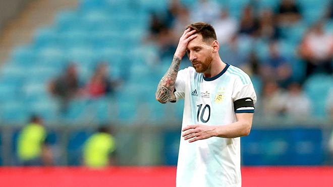 """Brazil vs Argentina: Messi định """"nhịn"""" tỏa sáng đến bao giờ?"""