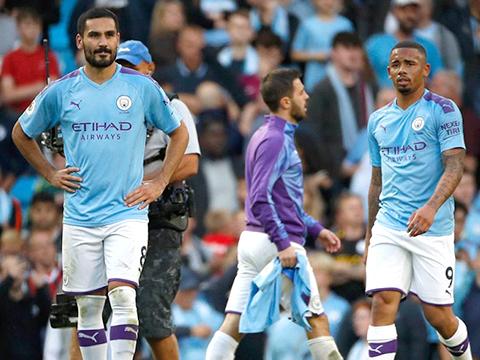 Man City không thắng Tottenham: Trách mình trước, trách VAR sau