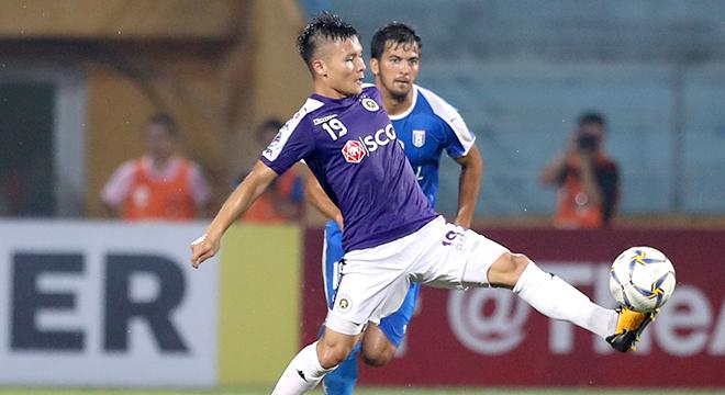 Hà Nội FC trên 'mũi giầy' Quang Hải