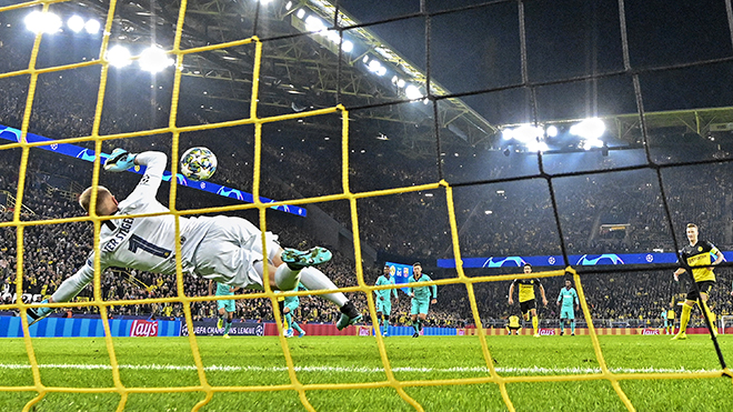 Barcelona không thua Dortmund nhờ bức tường thành Ter Stegen