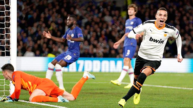 Valencia đánh sập Stamford Bridge: Chiến thắng của lòng quả cảm