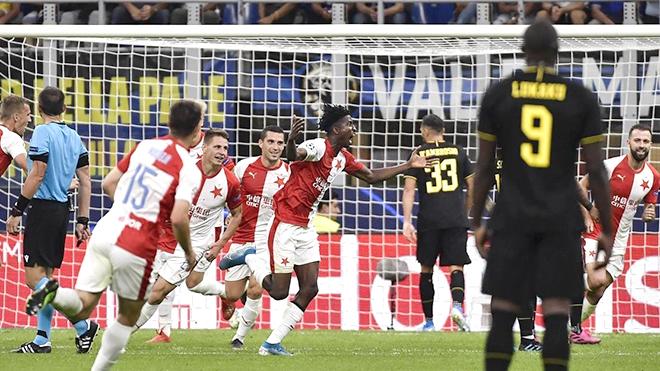 Inter Milan bế tắc trên sân nhà: Tại sao, Conte?