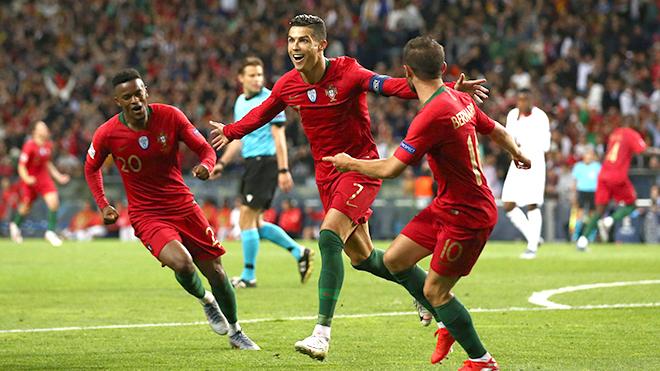 Lập hat-trick, Nations League gọi tên Cristiano Ronaldo