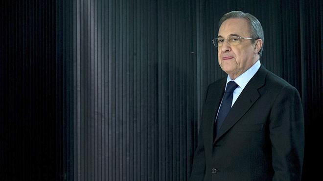 Real Madrid: Ông Perez đánh bạc với sự trung thành
