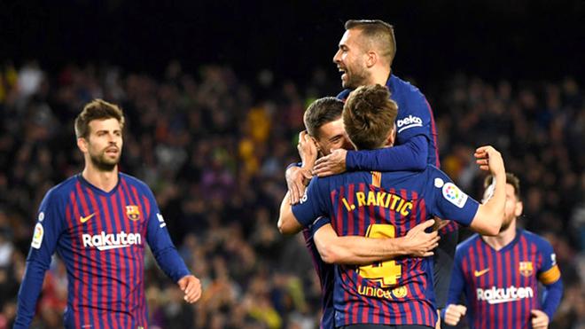 Barcelona đã tiến thêm một bước tới ngai vàng