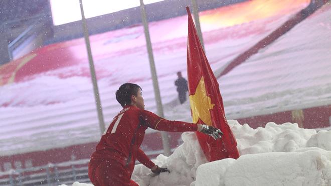 Chuyện nghề báo: Khoảnh khắc đỏ giữa tuyết trắng Thường Châu