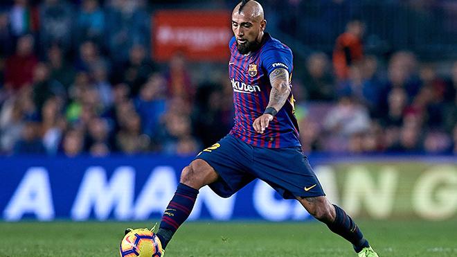 Barcelona: Quá nhiều Vidal, quá ít Carles Alena