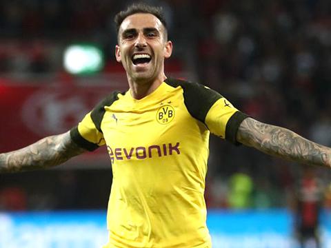 Dortmund: Alcacer hồi sinh mạnh mẽ sau khi rời Barcelona