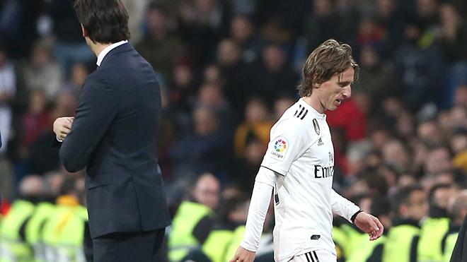 Real Madrid: Solari phải cẩn thận với những quả bom nổ chậm