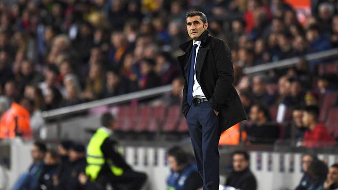 Barca: Khi Valverde chống lại cả Camp Nou