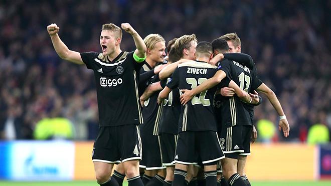 Ajax: Càng thành công, càng lo