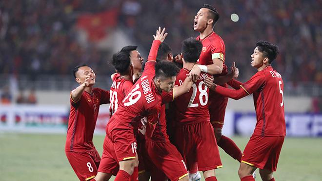 Trang mới lịch sử cho bóng đá Việt Nam