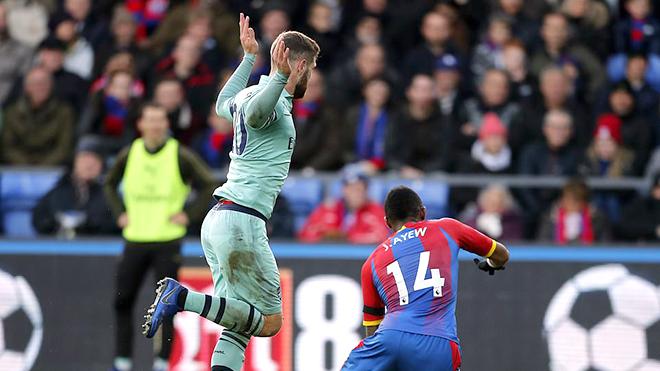 Arsenal: Emery sẽ xử lý ra sao với Mustafi?