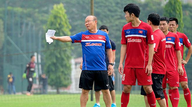 Khi HLV Park Hang Seo chê bóng đá trẻ Việt Nam