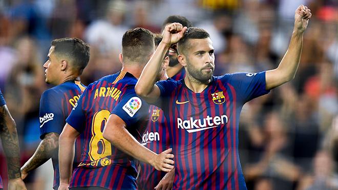 Jordi Alba đang là vấn đề của Barca