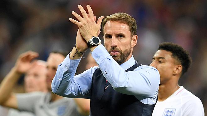 Thua Tây Ban Nha 1-2, tuyển Anh ở nơi ngã tư đường