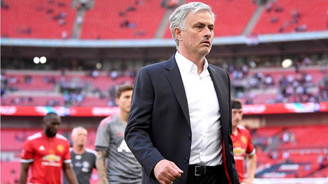 M.U trắng tay, Mourinho không danh hiệu, cũng không cả phong cách