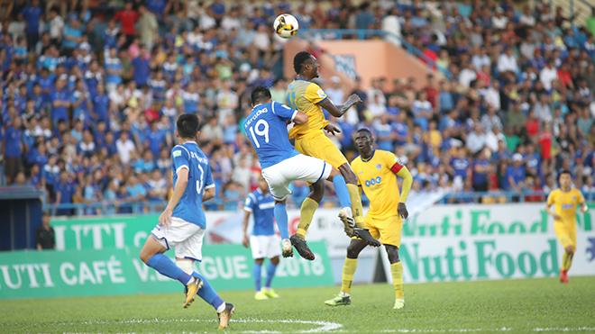 Vòng 8 V-League 2018:  Ngày buồn của đội bóng đất Mỏ