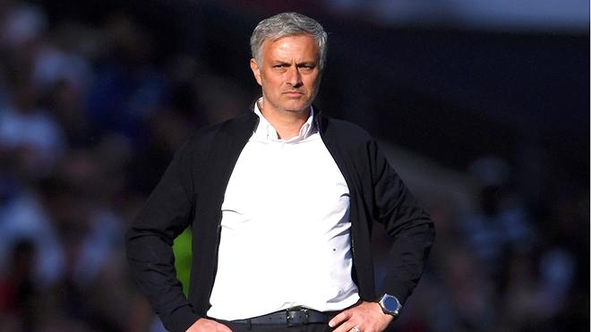 Chuyển nhượng M.U: Mourinho có tiếp tục 'đốt tiền'?