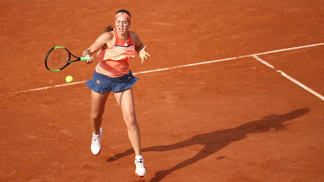 Ostapenko bị loại ngay vòng một Roland Garros 2018: Một phút huy hoàng, rồi chợt tắt?
