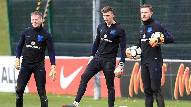 Ai xứng đáng là thủ môn số 1 của đội tuyển Anh?