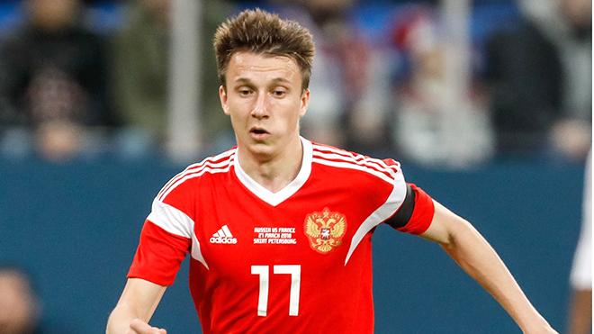 Aleksandr Golovin: Từ ngôi sao futsal đến niềm hy vọng của Nga