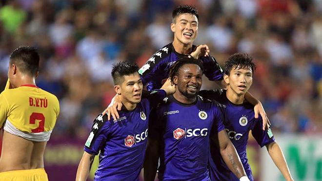 Vòng 8 V-League 2018: Thẳng lối, ngay hàng