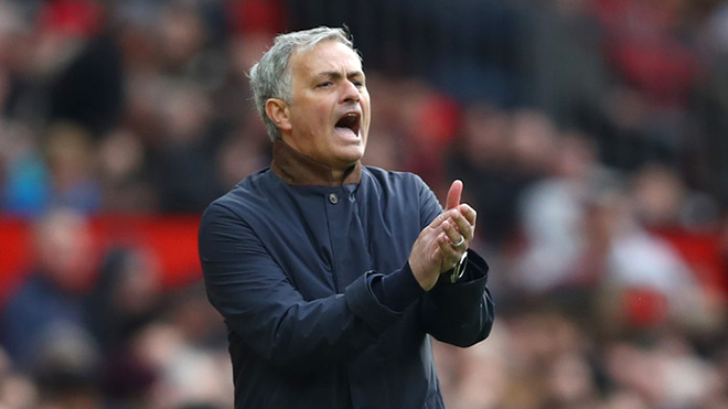 Jose Mourinho cần học Sir Alex để bớt khắc nghiệt hơn