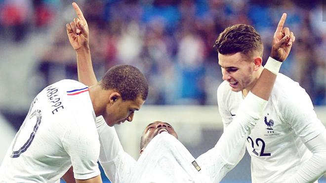 Vì sao Pogba lên tuyển Pháp thì đá hay nhưng trở về M.U thì lại tệ?