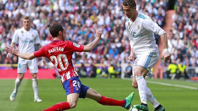 Ronaldo cứ chạm bóng là ghi bàn: Lời cảm ơn với Zidane
